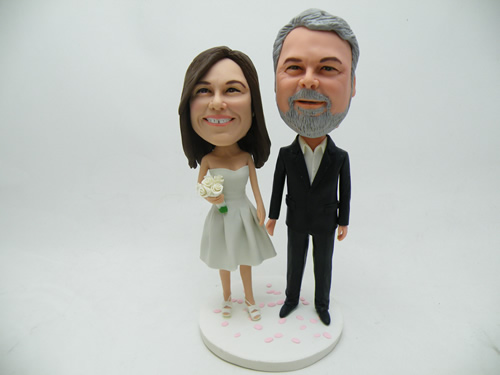 94c54000da6 A bobblehead is a specialized type of doll that is characterized by a  moving head on a static body. The size of the head is usually  disproportionate to the ...