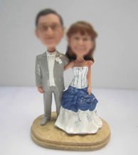 Personalized custom happy wedding cake bobbleheads