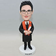 Custom bobbleheads gifts for a graduation students