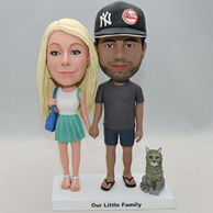 Aniversary custom bobbleheads with your pet on the base