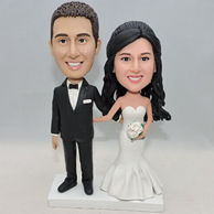 Romantic wedding bobblehead with beautiful dress