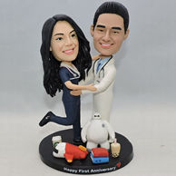Personalized dancing couple bobbleheads with leisure suit