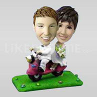 Newlyweds on Moped Bobblehead-10735