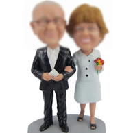 Custom bobbleheads of couple