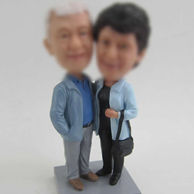 Dad and mom bobblehead doll